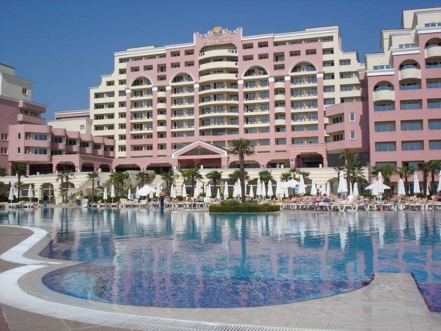 Majestic Beach Resort	4*