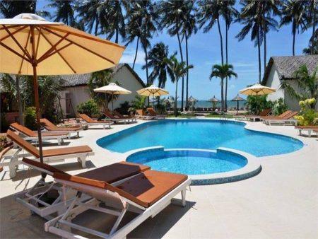 Sun & Sand Beach Hotel 3*