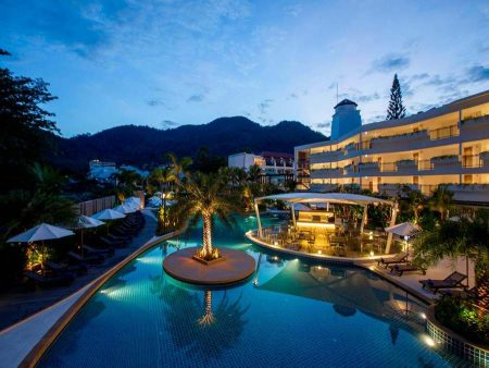 Novotel Phuket Karon Beach Resort & Spa 4*
