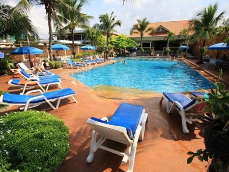 Twin Palms Resort 3*
