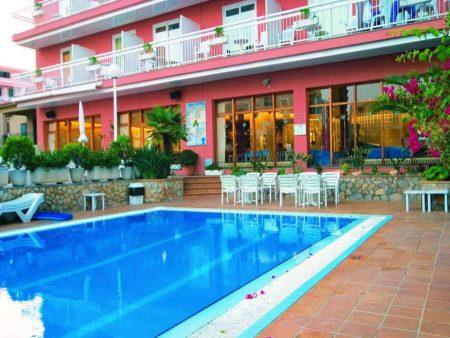 Aqua Hotel Bertran 4*