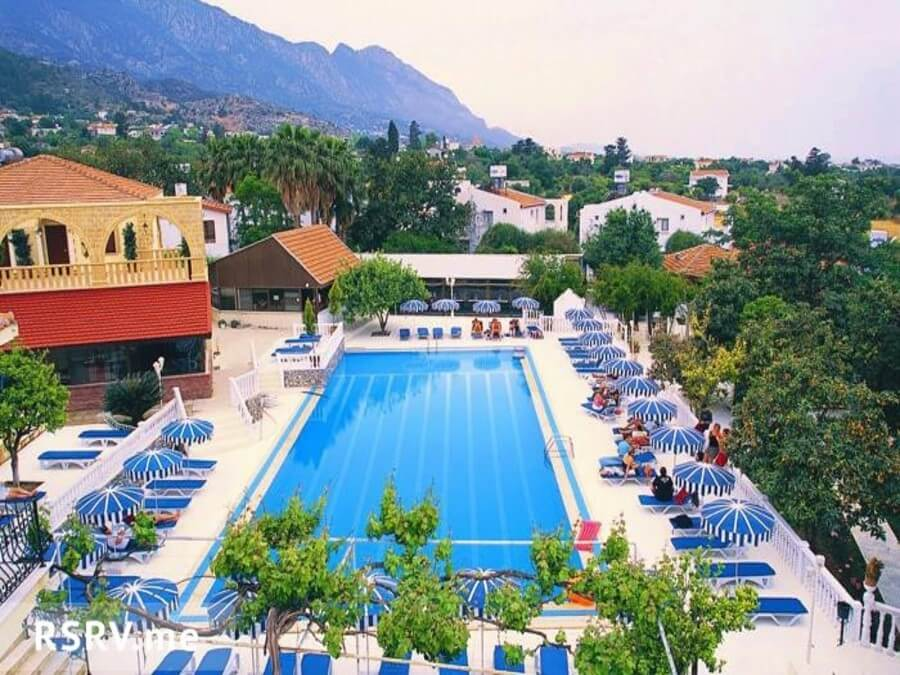 Riverside Holiday Village 4*