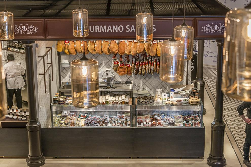 Новый рынок Вильнюса Benedikto turgus открыл свои двери для покупателей