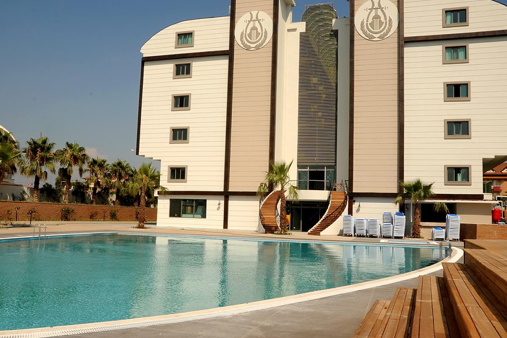 Orfeus Queen Hotel 4*