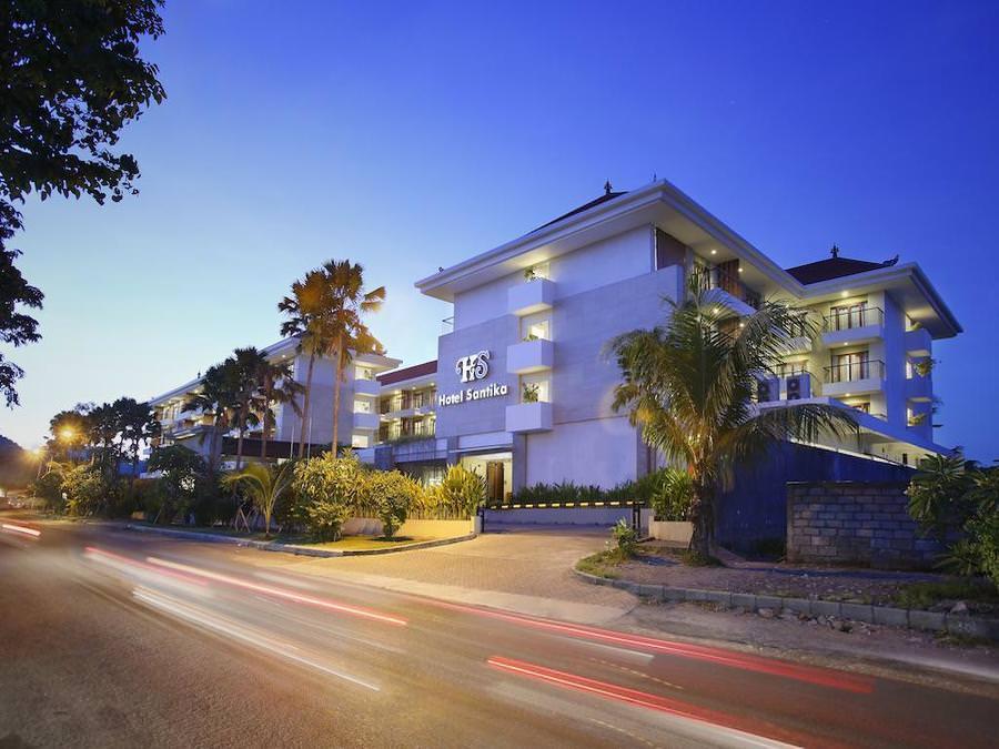 Santika Siligita Hotel 3*