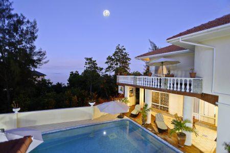 Carana Hilltop Villa 5*