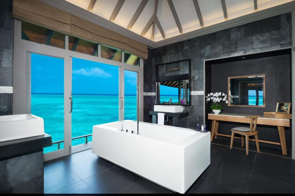 Grand Water Two Bedroom JA Manafaru 5*Deluxe Suite with Private Infinity Pool