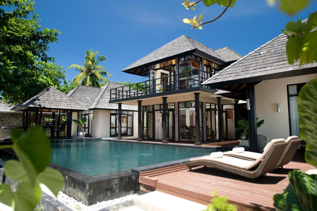 Royal Island Two Bedroom JA Manafaru 5*DeluxeSuite with Private Pool)