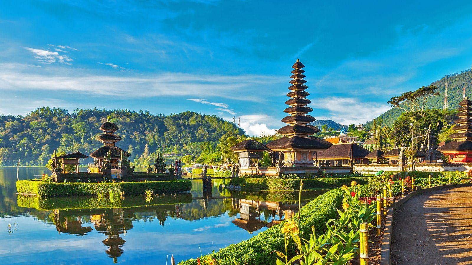 Индонезия продлила запрет на въезд