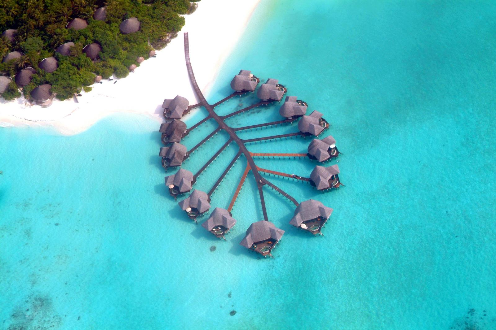 На Мальдивах вводят комендантский час